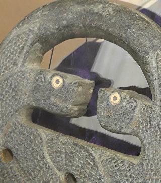 Изъятые у черных археологов артефакты показали на выставке в Крыму