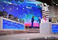 """Президент РФ Владимир Путин в основной студии московского Гостиного двора перед началом ежегодной специальной программы """"Прямая линия с Владимиром Путиным"""". 15 июня 2017"""