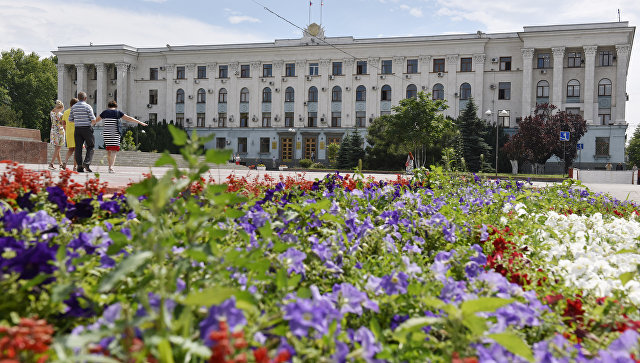 Здание Совета министров Республики Крым. Архивное фото