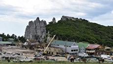 Cнос самовольно возведенных строений на плато Ай-Петри