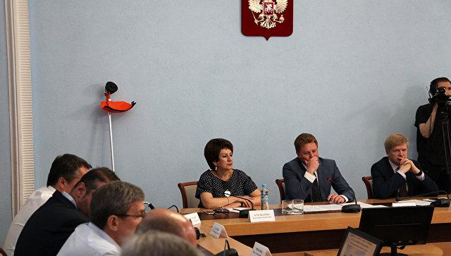 Врио губернатора Севастополя пригрозил начальнику департамента хозяйства отправкой напокос