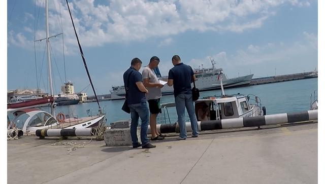Крымские налоговики приступили к проверке яхт и катеров в морском порту Ялты