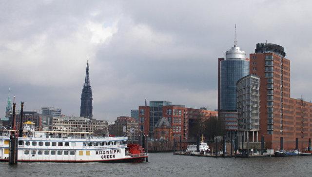 Гамбург. Вид на город со стороны гавани. Архивное фото