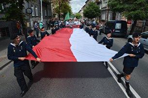 Участники марша памяти жертв Волынской резни. Архивное фото