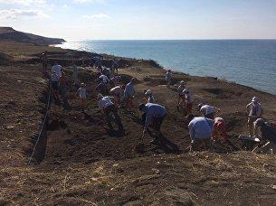 Начало раскопок на некрополе Кыз-Аул