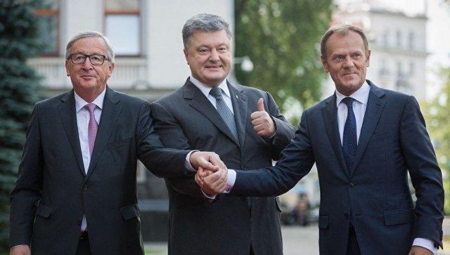 Президент Украины Петр Порошенко, президент Еврокомиссии Жан-Клод Юнкер и президент Европейского совета Дональд Туск на саммите Украина-ЕС. 13 июля 2017
