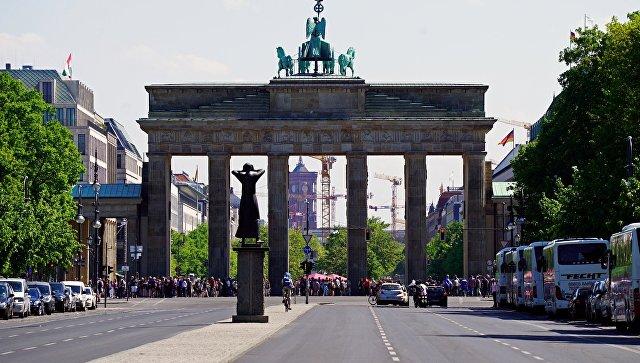 Вид на Бранденбургские ворота. Берлин