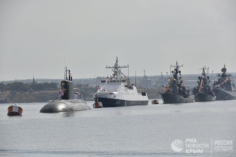 Парад кораблей и военно-спортивного праздника в честь Дня ВМФ России в Севастополе