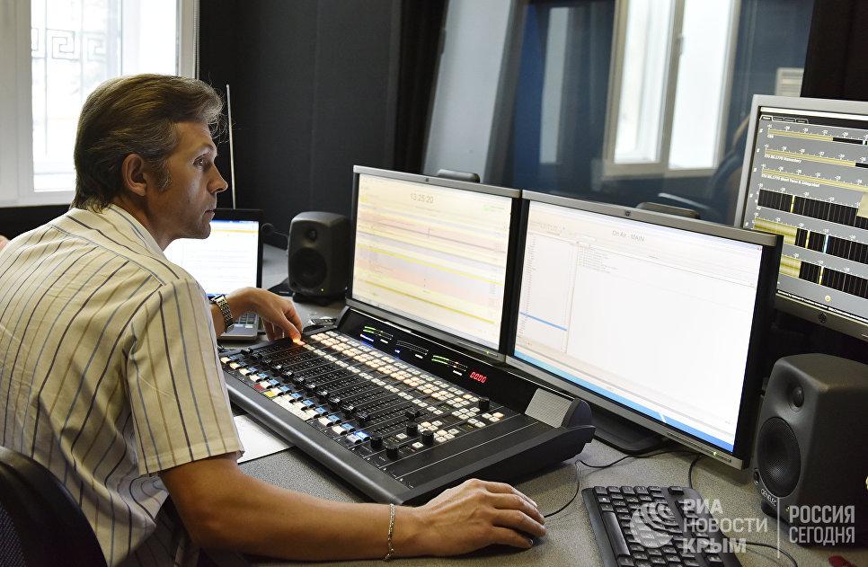 Звукорежиссер радио Спутник в Крыму Геннадий Мазаев