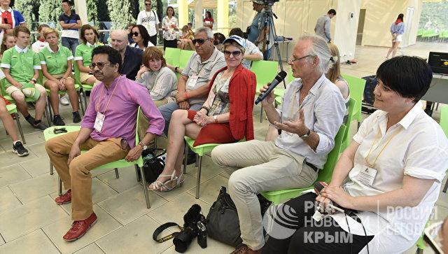 Делегация иностранных журналистов в МДЦ Артек