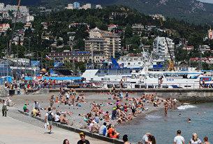 В разных районах Крыма есть пляжи, оборудованные для отдыхающих, у которых есть особенности здоровья или инвалидность