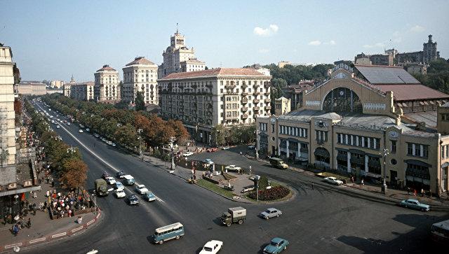 Крещатик - главная улица Киева. Архивное фото