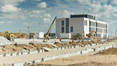 Завершен монтаж фасадов и кровли служебно-технических зданий нового терминала аэропорта Симферополь