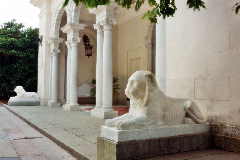 Львы в Ливадийском дворце