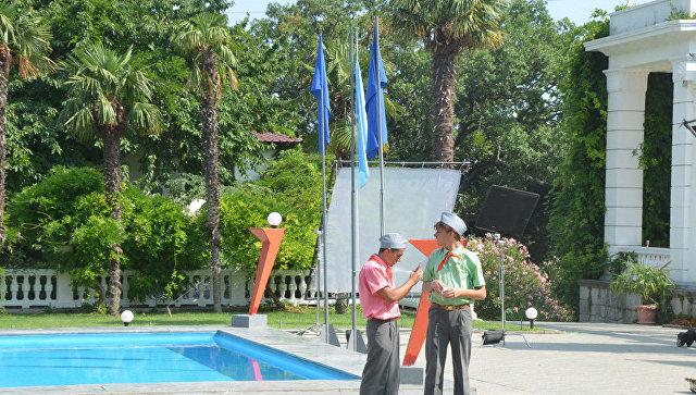 Съемки музыкального комедийного сериала Смена в Никитском ботаническом саду