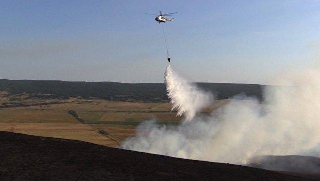 Тушение загорания сухой травы в селе Малиновка Белогорского  района