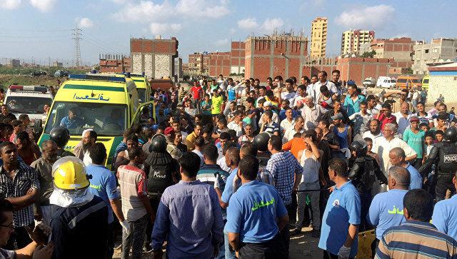 Место столкновения поездов в городе Александрия в Египте. 11 августа 2017