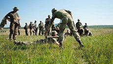Американские инструкторы обучают украинских военных на Яворивском военном полигоне во Львовской области. Август 2017