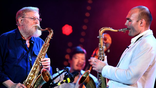 Участники Международного ансамбля Якова Окуня во время выступления на фестивале Koktebel Jazz Party 2017.