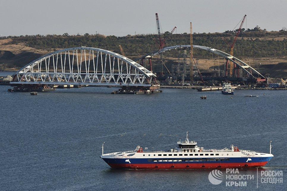 Операция по транспортировке железнодорожной арки Крымского моста