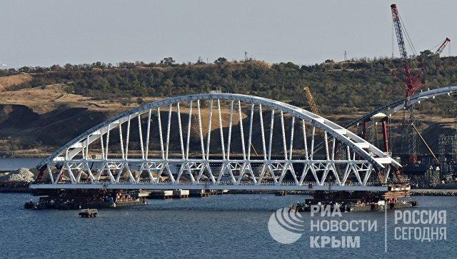 Морская операция по транспортировке железнодорожной арки Крымского моста