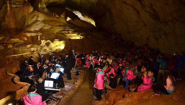 Концерт классической музыки в Мраморных пещерах