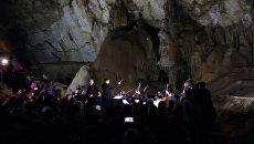 Музыканты исполнили классическую музыку на глубине 40 метров под землей