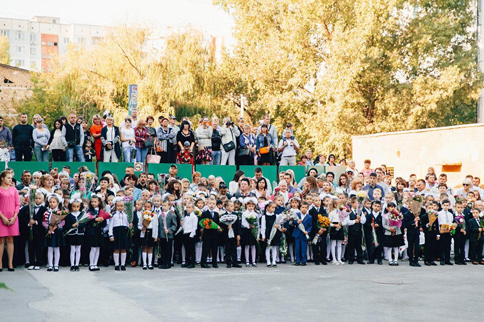 Праздничная линейка 1 сентября в школе №31 в Симферополе