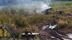 Тактические учения с боевой стрельбой артиллерийских частей и соединений Западного военного округа на Лужском военном полигоне в Ленинградской области