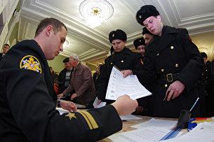Военнослужащие Черноморского флота ВМФ России голосуют на выборах