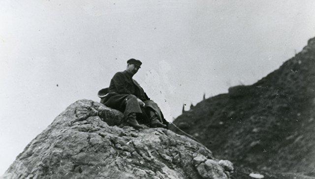 Феликс Дзержинский во время горной прогулки в Крыму