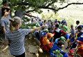 Обряд посвящения детей с ограниченными физическими возможностями в артековцы на горе Аю-Даг