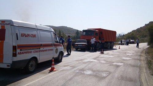 ВКрыму три человека погибли вДТП сКамАЗом