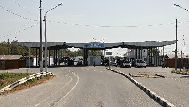 Пункт пропуска Армянск на границе Крыма и Украины