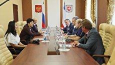 Глава Крыма Сергей Аксенов встретился с представителями бизнеса и творческой интеллигенции, приехавших в Крым в составе делегации Китайской народной Республики