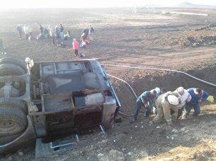 На востоке Крыма перевернулся пассажирский автобус