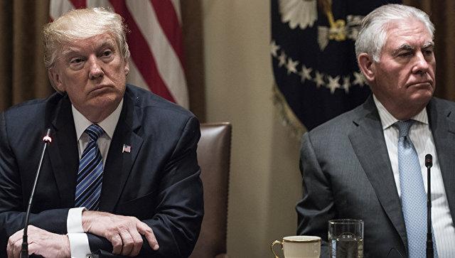 Президент США Дональд Трамп и госсекретарь Рекс Тиллерсон