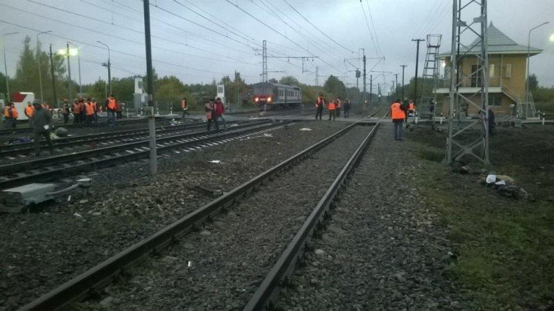 Поезд «Санкт-Петербург— Нижний Новгород» столкнулся савтобусом