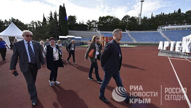 Норвежская делегация посетила Артек в рамках визита в Крым