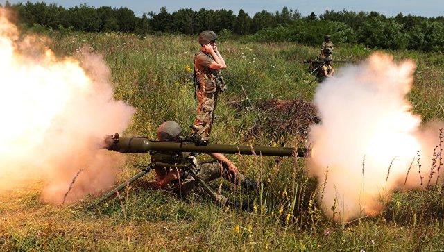 Украинские военнослужащие во время учений