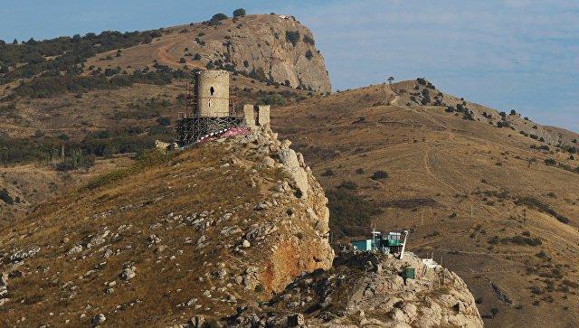 Башня крепости Чембало на территории Балаклавы
