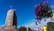 Разрушенный памятник Ленину в Харькове. Архивное фото