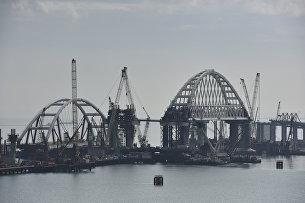 Вторая морская операция по установке автодорожной арки Крымского моста