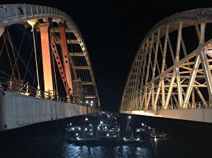 Автодорожную арку Крымского моста подняли на проектную высоту