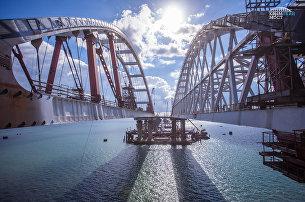 Автодорожная и железнодорожная арки моста через Керченский пролив