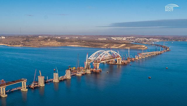 Установка автодорожной арки моста через Керченский пролив