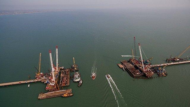 Строительство транспортного перехода через Керченский пролив в Азовском море. 13 марта 2017
