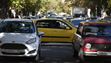 Автомобили в центре Симферополя