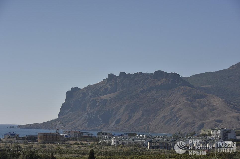 Вид на Коктебель и Карадаг. Тихая бухта