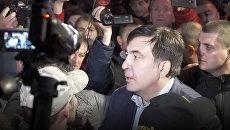 Протест в Киеве: выступление Саакашвили и палатки у здания Рады